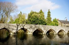 Fordingbridge, the bridge over the River Avon, Hampshire © Chris Dennis